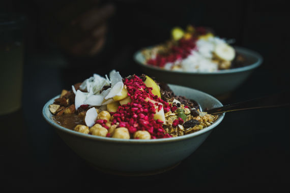 healthy diet to weight loss bowls of acai and superfruits