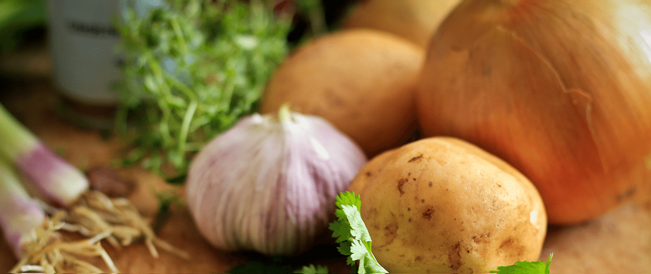 healthy diet to weight loss onions and variety of vegetables