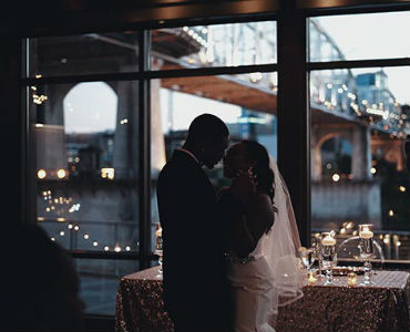 how to have an extraordinary relationship bride and groom kisssing