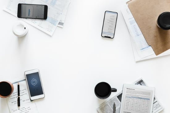 table-with-phones-and-coffee1
