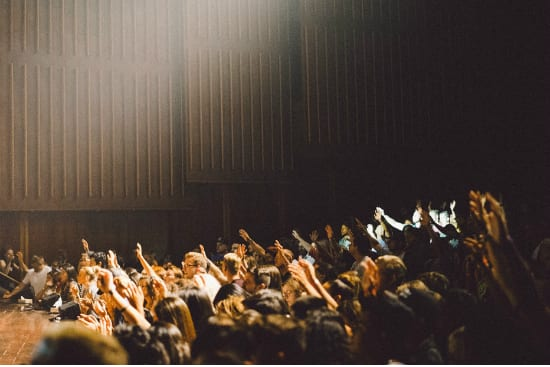 how to improve public speaking to an audience