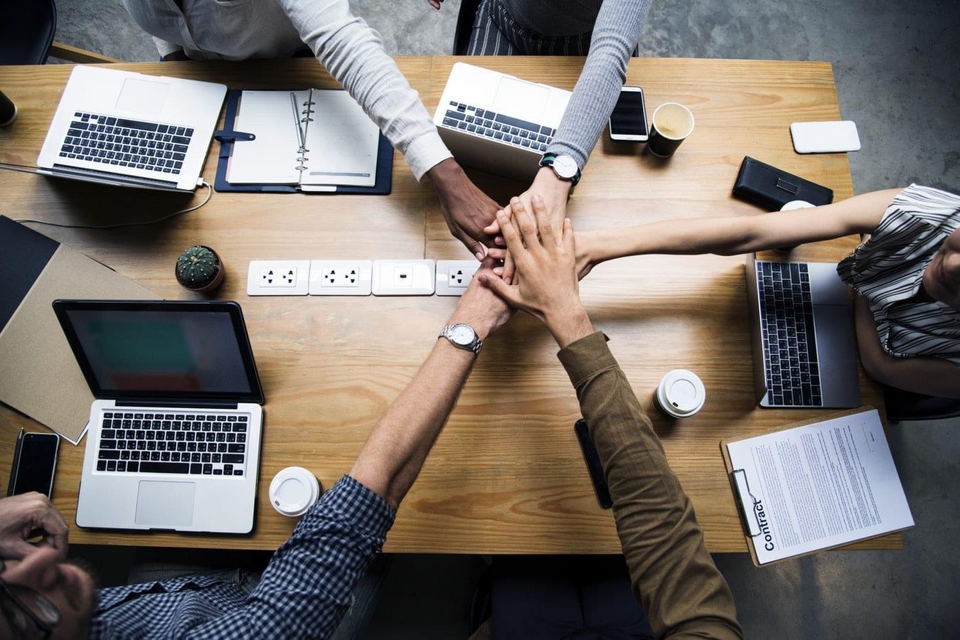 employee-retention-team-work
